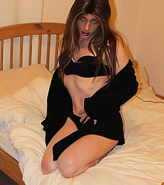Kirsty looks so good wearing her little black lingerie to bed